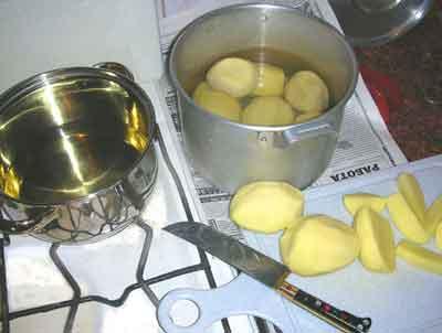 рис.3/Нарезаем картофель для фритюра
