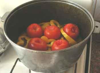 рис.7/Закладываем сладкий перец и помидоры