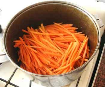 рис.6/Кладем морковь. Внешний вид моркови со специями через 15 мин.